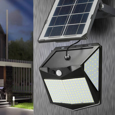 Négy irányba világító, mozgásérzékelős, 240 ledes napelemes lámpa