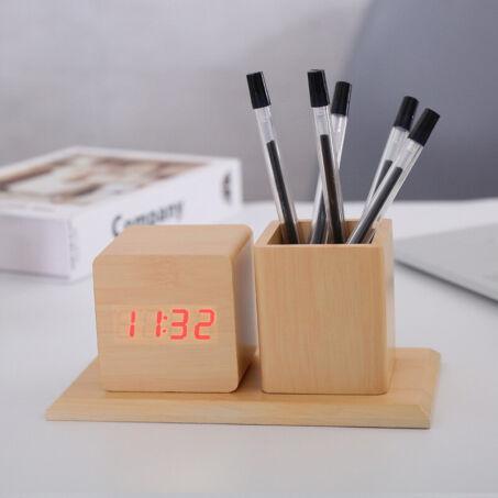 Világosbarna fa hatású asztali óra, hőmérő, ébresztő és tolltartó