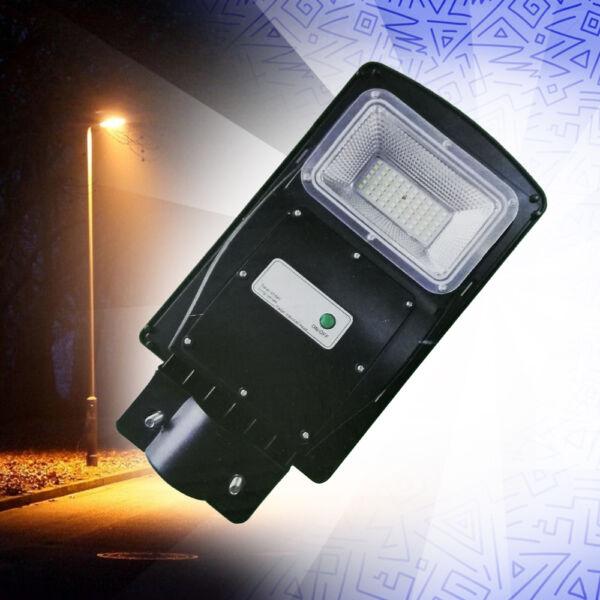 Nagy fényerejű mozgásérzékelős utcai LED lámpa intergrált napelemmel, 30W